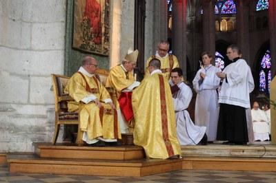 09a remise objets liturgiques
