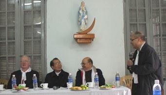 5.2- Avec l'évêque de Thai Binh