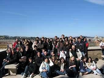 2857. Dernière photo de groupe avant le départ