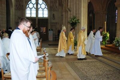 Mgr et prêtres